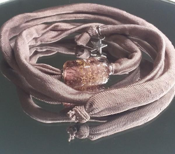 Wickelarmbang mit einer Glas-Ascheperle, amethyst